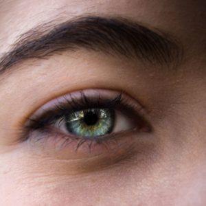 Tupozrakosť u ľudí